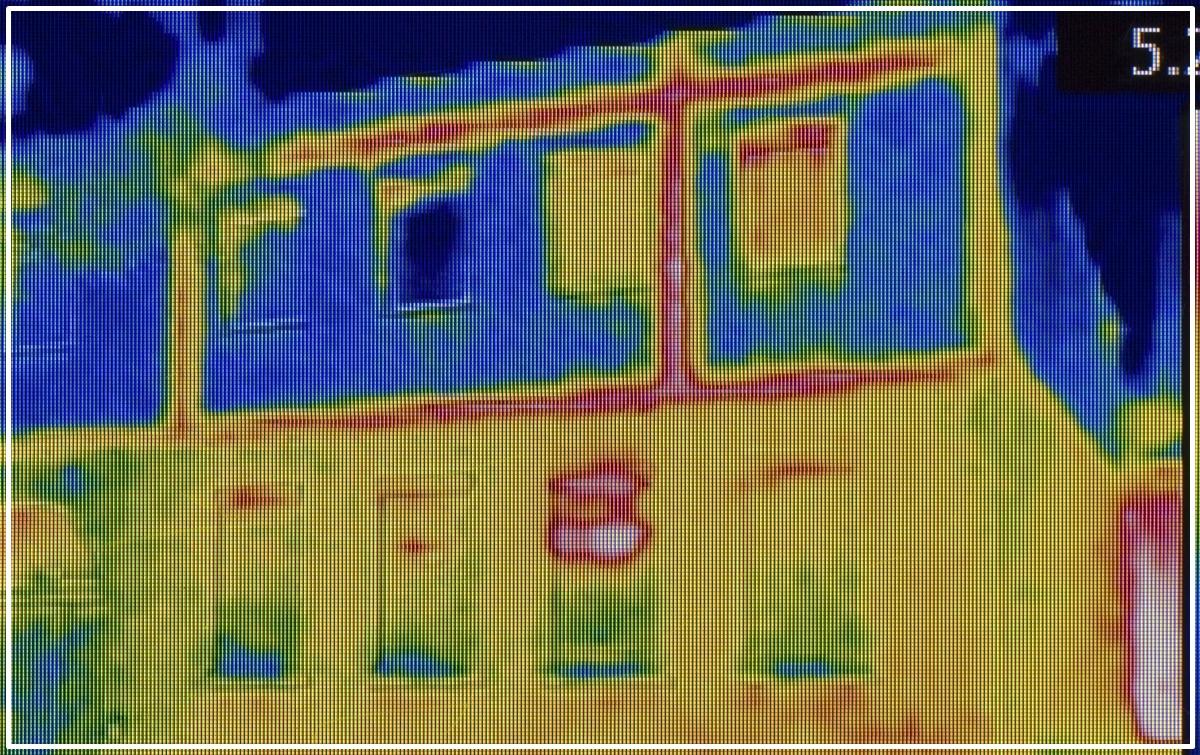 Localización de fallos de aislamiento o puentes térmicos con una cámara termográfica